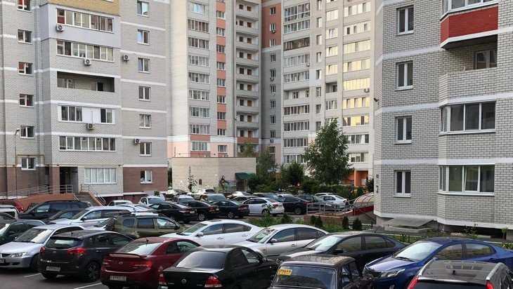 «Теперь пол-Брянска живет в гараже»: горожане потребовали свободы