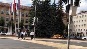 Новый светофор на площади Ленина не остановил жителей Брянска