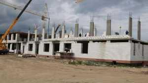 В Брянске начали строительство второго этажа школы в старом аэропорту