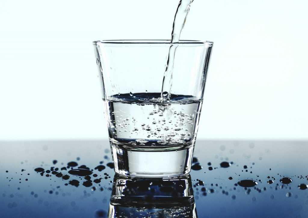 Преимущества заказа воды с доставкой