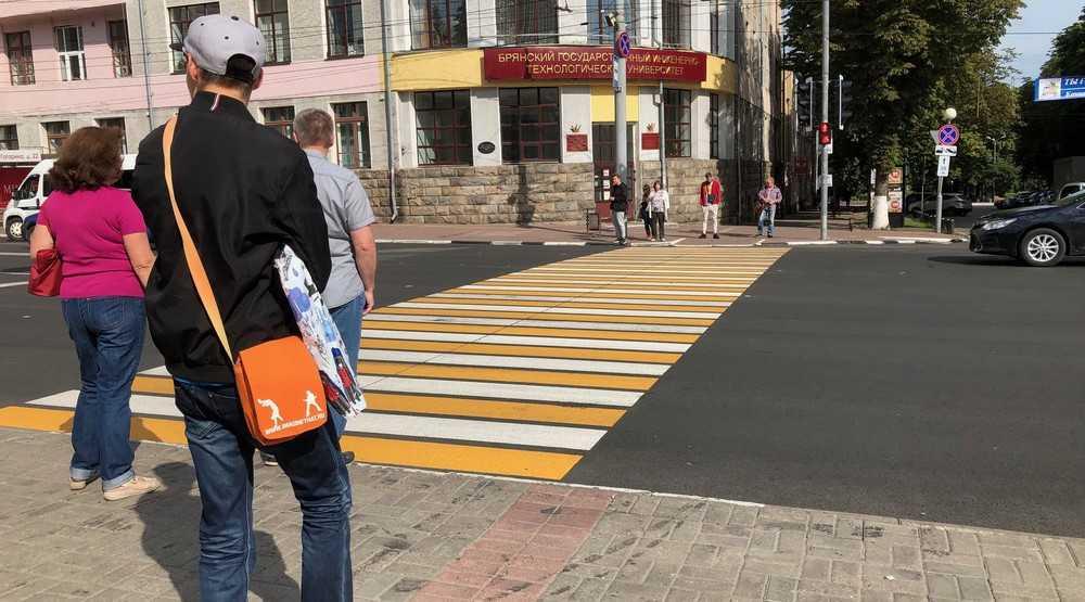 В Брянске проспект Ленина стали вынужденно обезображивать забором