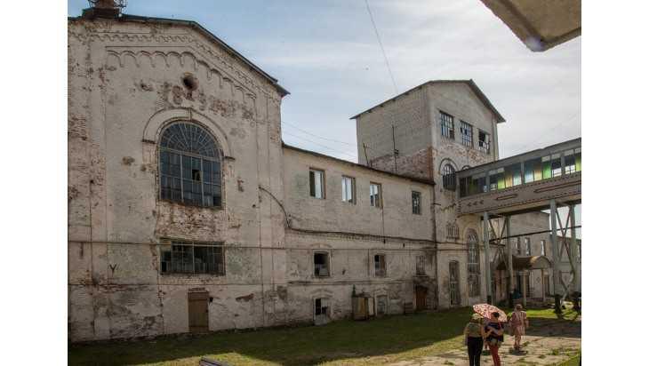 Пристройка к Локотскому заводу стала угрозой для усадьбы Романовых
