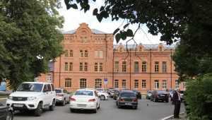 В Брянске из скандала вырос роскошный замок 1901 года постройки