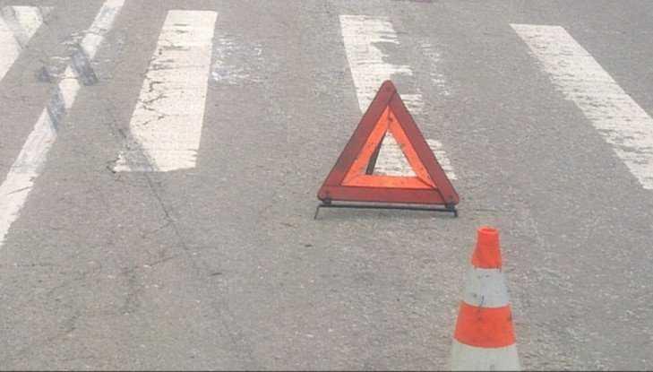 В Брянске водитель Nissan на «зебре» сломал ногу 59-летней женщине