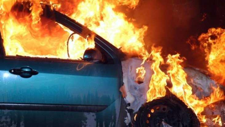 В Фокинском районе Брянска сгорел Volkswagen