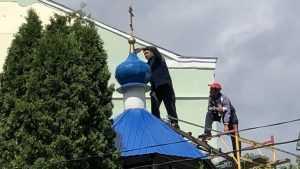 В Брянске обновили купола древнего Покровского храма