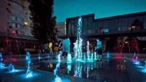 Глава Брянска показал фото светодинамического фонтана в Майском парке