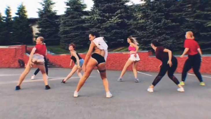 Брянская танцовщица Червякова своим видео опять заинтересовала полицию