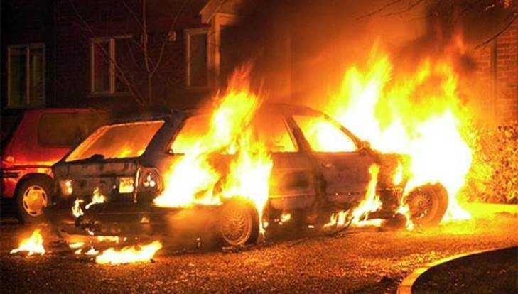 В Климове Брянской области ночью сгорел легковой автомобиль