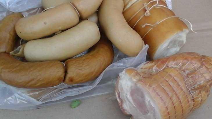 Случай отравления колбасой продолжился обвинениями брянских торговцев
