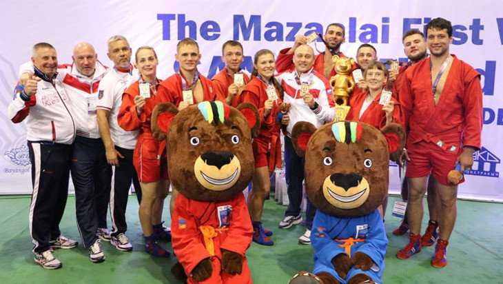 Брянский самбист Артём Осипенко помог России победить на Кубке мира