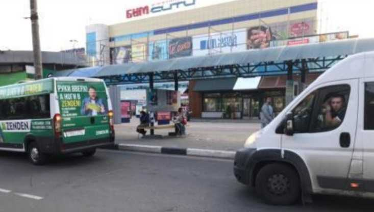 В Брянске у «БУМ-сити» 78-летний пенсионер выпал из троллейбуса