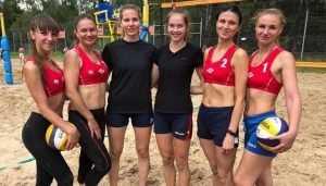 Брянские красавицы сразились за кубок области по пляжному волейболу