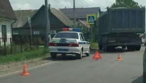 В Брянске на улице Красный Маяк КамАЗ врезался в такси