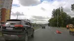 В Брянске водители Geely оштрафовали по видео за хамство