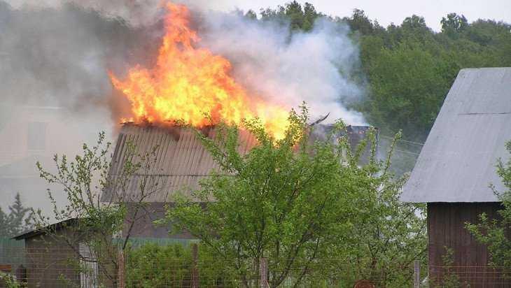 Под Брянском сгорел частный жилой дом