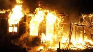 В Трубчевском районе при ночном пожаре погиб мужчина