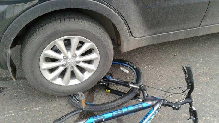 В Комаричах водитель Mitsubishi покалечил 11-летнего велосипедиста