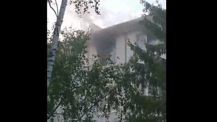 В Брянске на улице Орловской сгорела квартира: есть пострадавший