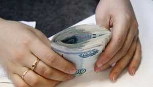 В Брянске сотрудницу фирмы осудят за присвоение 700000 рублей