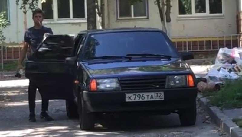 Жители Брянска жестоко подрались из-за видео о «творце» свалок