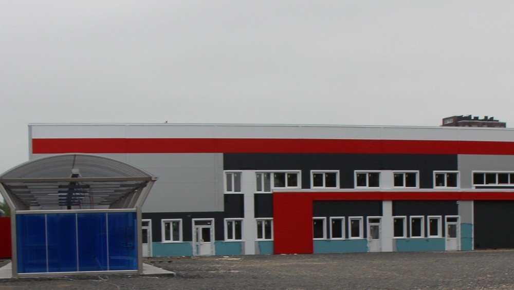 В Брянске «космонавту» не позволили ввести в строй техцентр и магазин