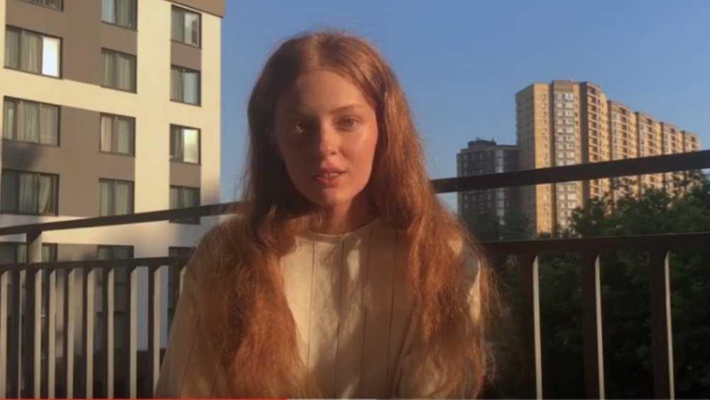 Юная брянская певица Ксения Бракунова показала фильм о своей жизни