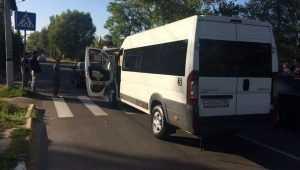В Брянске подрались устроившие ДТП водители маршрутки и «Тойоты»