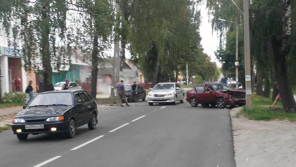 Появились подробности ДТП на улице Вокзальной в Брянске
