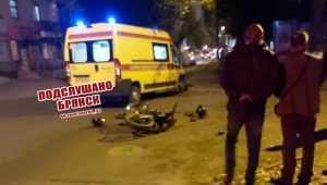 В Брянске автобус сбил парня с девушкой на мотоцикле