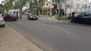 В Бежице на улице Вокзальной столкнулись две легковушки