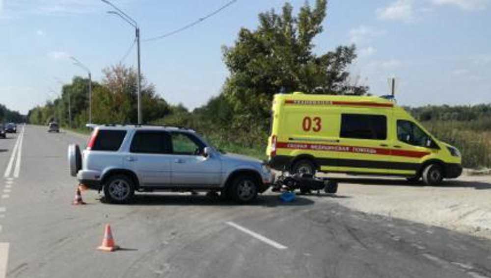 В ДТП на Флотской улице в Брянске покалечился водитель скутера