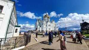 Брянский ансамбль «Бабкины внуки» порадовал слушателей новой песней