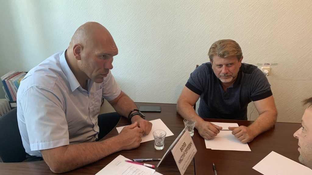 Николай Валуев с рабочим визитом посетил Суражский район
