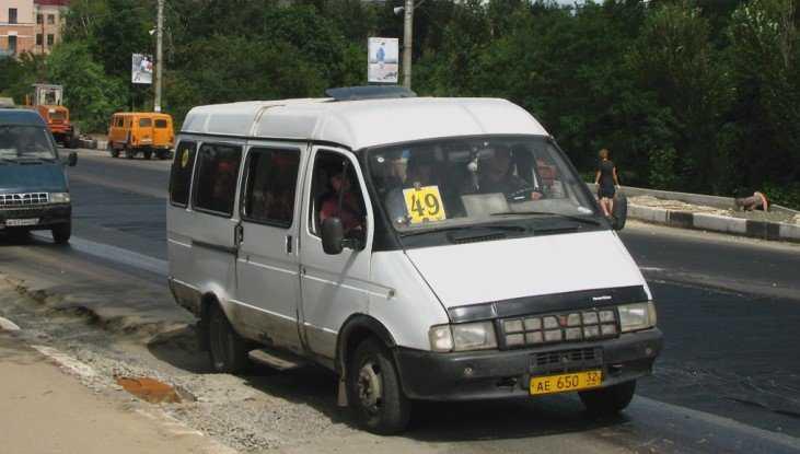 В Брянске девушку возмутило хамство пассажирки маршрутки