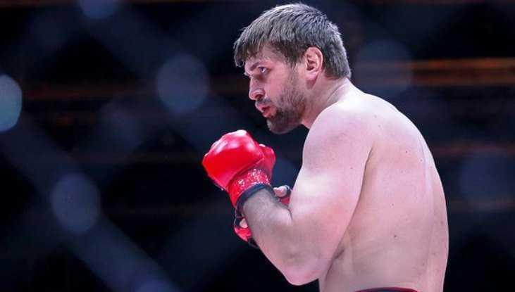 Брянский богатырь Минаков выйдет на ринг после однорукого бойца