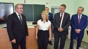 В Брянске зампред Госдумы Неверов оценил предуниверсарий и умную крышу