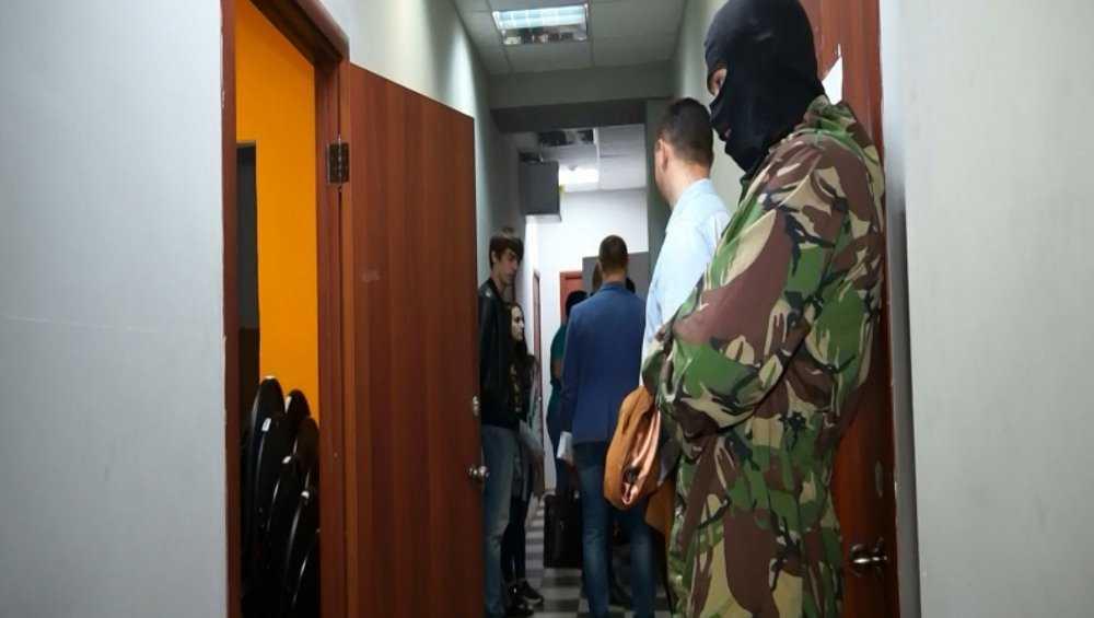 Брянская полиция провела обыски в фирме «Юризм»
