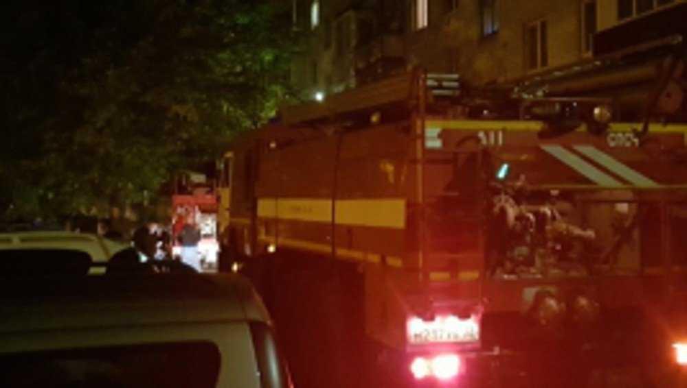 Ночью из горевшей брянской пятиэтажки эвакуировали 20 жильцов