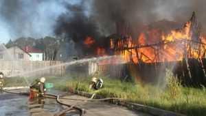В Дятькове Брянской области сгорел жилой дом