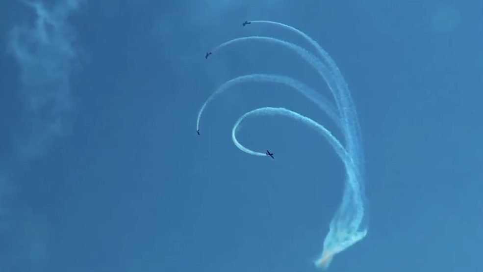 Российские летчики показали новую захватывающую фигуру высшего пилотажа