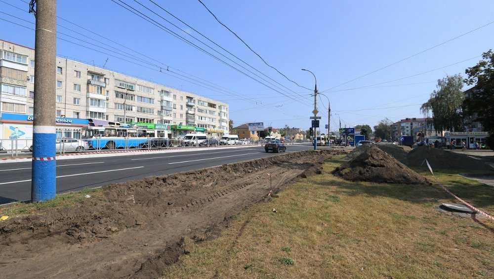 В Брянске на Московском проспекте восстановят газоны и тротуары