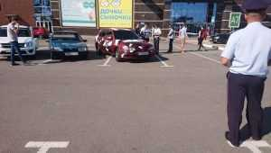 В Брянске возле ТРЦ «Аэропарк» оштрафовали участников автофестиваля