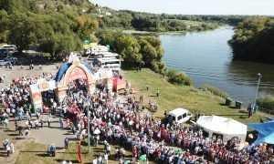 В Брянске Свенская ярмарка собрала 120 тысяч человек из многих городов