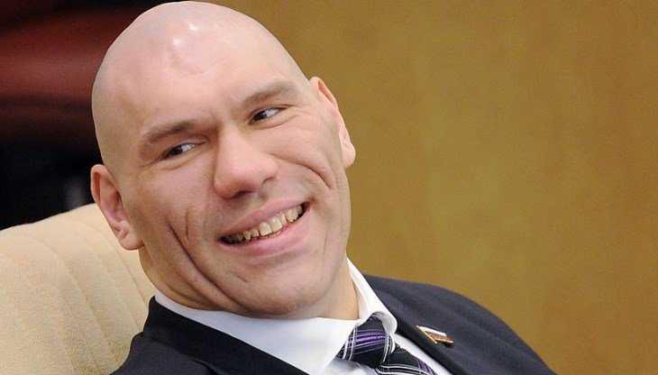 Брянский губернатор поздравил русского богатыря Валуева с днём рождения