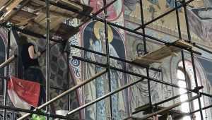 Стены и своды Брянского кафедрального собора покрыли чудные росписи