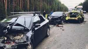 Из-за брянской фуры столкнулись 7 машин и пострадали три человека