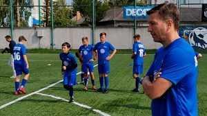 Легенда «Спартака» Валерий Кечинов провёл в Брянске футбольный мастер-класс