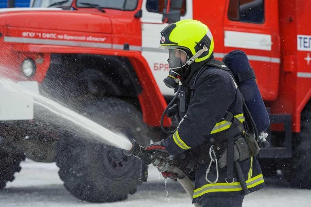В Злынковском районе из-за холодильника едва не сгорел магазин
