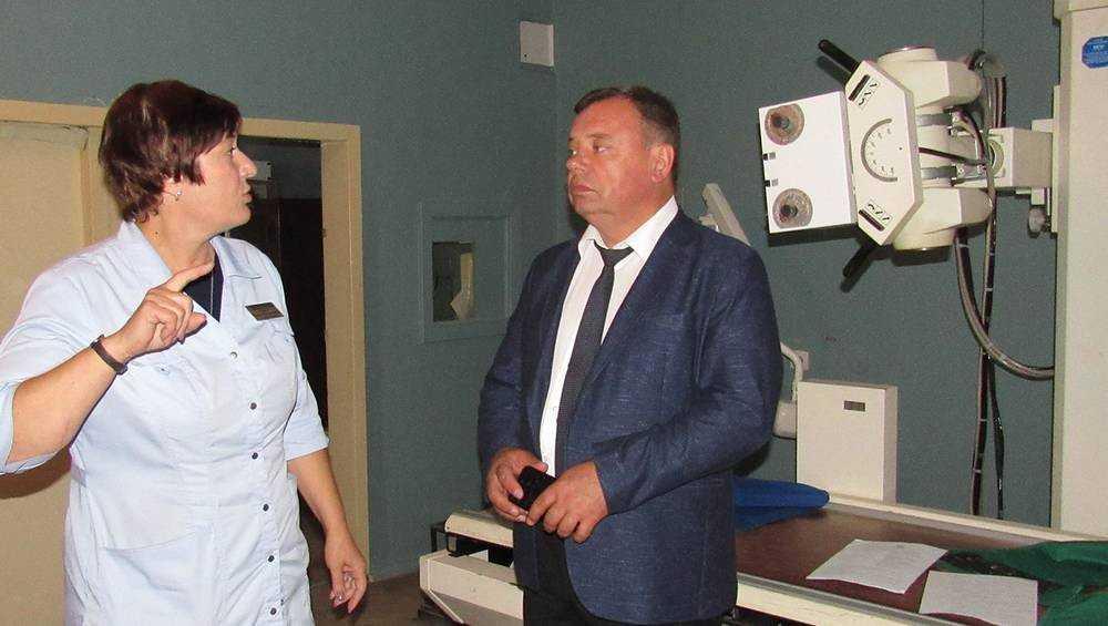 Заместитель брянского губернатора проверил Навлинскую больницу
